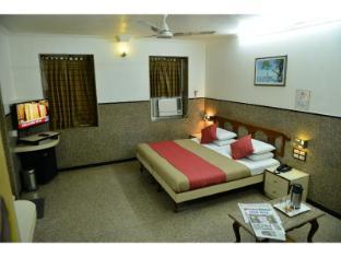 Vista Rooms @ Gowalia Tank