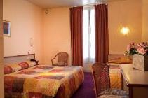 Kamer met 2 aparte bedden, met bad