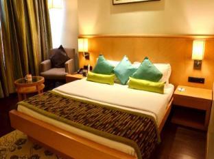 OYO Premium Near High Court Indore