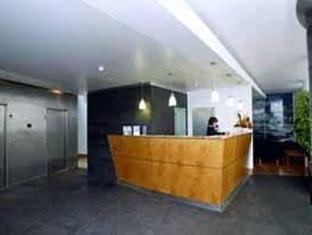 /comfort-inn-ponta-delgada/hotel/ponta-delgada-pt.html?asq=jGXBHFvRg5Z51Emf%2fbXG4w%3d%3d