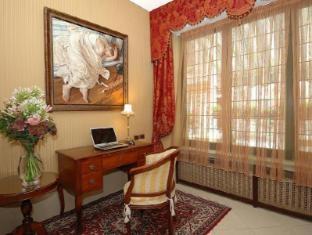 /hotel-hesperia/hotel/venice-it.html?asq=jGXBHFvRg5Z51Emf%2fbXG4w%3d%3d