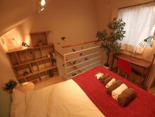 ES9 - 1 Bedroom Apartment in Shinjuku Area Okubo 403