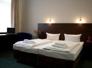 โรงแรมอาร์ทา เลนซ์