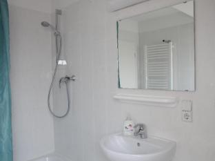 acama Hotel + Hostel Schöneberg Berlin - Bathroom