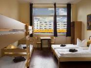 Penkių lovų kambarys