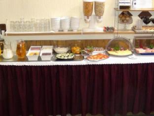 Hotelpension Margrit Berlin - Buffet