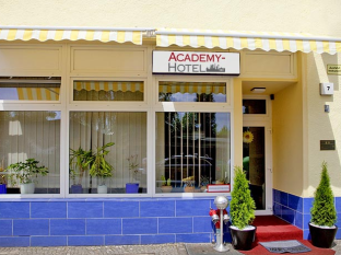 Academy Hotel Berlin - Exterior hotel