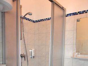 Academy Hotel ברלין - חדר אמבטיה