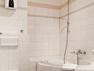 Academy Hotel Berlin - Bathroom