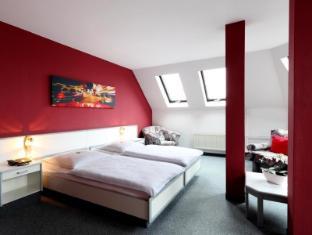 โรงแรมโนวา