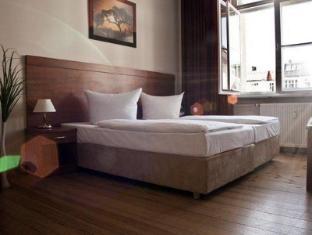 Hotel Astrid am Kurfuerstendamm ברלין - חדר שינה