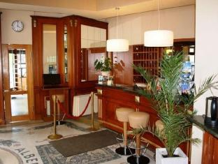 SensCity Hotel Albergo Berlin - Reception