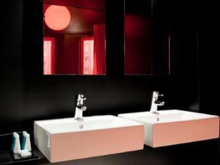 Axel Hotel Berlin ברלין - חדר אמבטיה