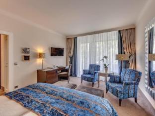 โรงแรมวิลลา คาสทาเนีย