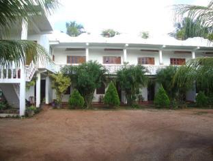 /it-it/nillas-guest-nilaveli/hotel/trincomalee-lk.html?asq=vrkGgIUsL%2bbahMd1T3QaFc8vtOD6pz9C2Mlrix6aGww%3d