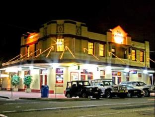 Sir Joseph Banks Hotel