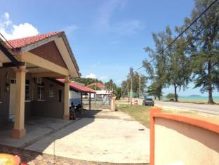 /anggun-beach-guest-house-dungun/hotel/dungun-my.html?asq=jGXBHFvRg5Z51Emf%2fbXG4w%3d%3d