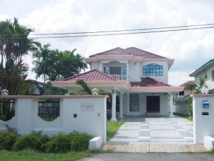 Pasir Pinji Bungalow Home Stay