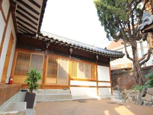/empathy-hanok-guesthouse/hotel/daegu-kr.html?asq=jGXBHFvRg5Z51Emf%2fbXG4w%3d%3d