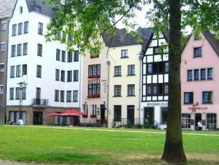 /hayk-altstadthotel-appartements/hotel/cologne-de.html?asq=vrkGgIUsL%2bbahMd1T3QaFc8vtOD6pz9C2Mlrix6aGww%3d