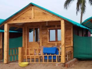 Saxony Beach Hut