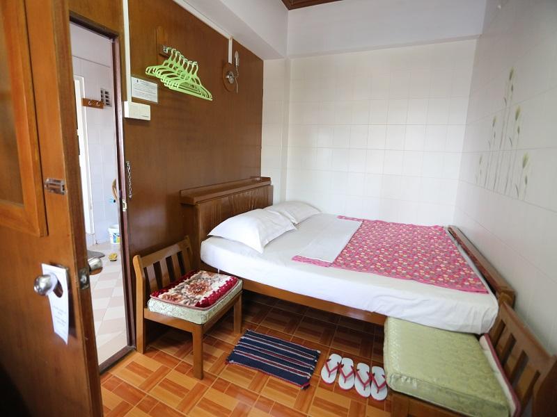 Chan Myaye Guest House11