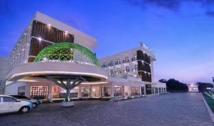 /d-max-hotel-convention-lombok/hotel/lombok-id.html?asq=jGXBHFvRg5Z51Emf%2fbXG4w%3d%3d