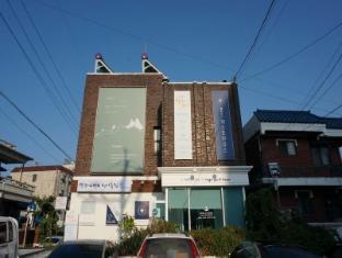 /ca-es/bella-luna-guesthouse/hotel/jeonju-si-kr.html?asq=vrkGgIUsL%2bbahMd1T3QaFc8vtOD6pz9C2Mlrix6aGww%3d