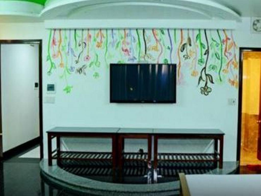 Galaxy Guest House8