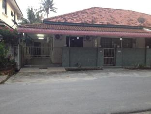 4 Rooms Semi Detached House Near Jonker Street