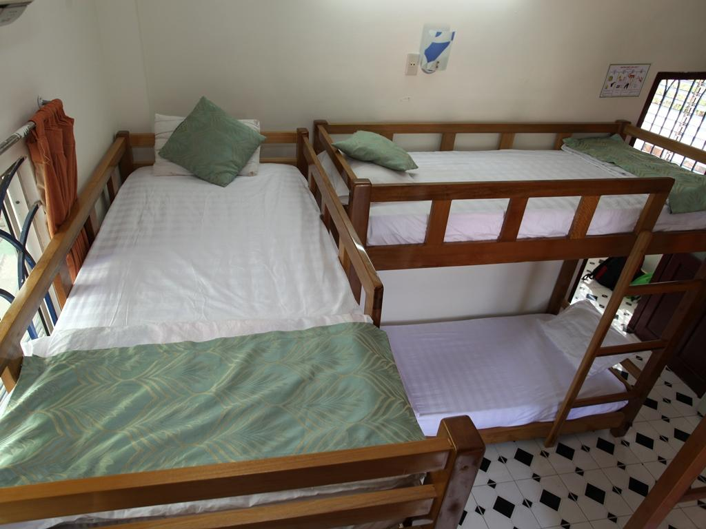 Phi Long Backpacker Hostel Nha Trang2