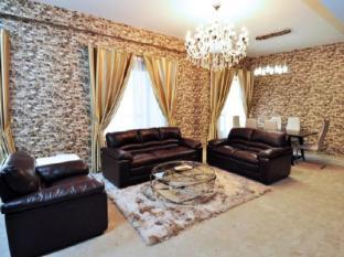 Dubai Stay- Sadaf 6