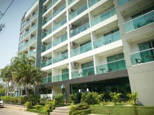 Laguna Bay 1 Condominium By Mr. Butler