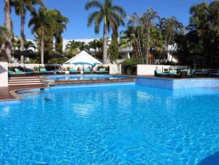Shangri-la Hotel, The Marina Cairns Cairns - Outdoor Pool