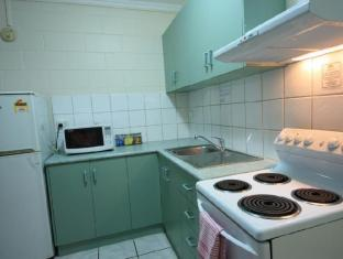 Coconut Grove Holiday Apartments Darwin - King 1 Bedroom Apt