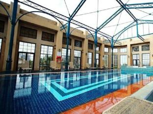 Stamford Grand Adelaide Adelaide - Outdoor Swimming Pool