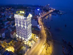 /riverside-hotel-quang-binh/hotel/dong-hoi-quang-binh-vn.html?asq=jGXBHFvRg5Z51Emf%2fbXG4w%3d%3d