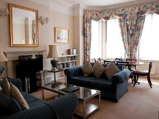 The Mansions at Earls Court 3 Bedroom Apartment 6