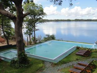 /sv-se/oak-ray-lake-resort/hotel/yala-lk.html?asq=vrkGgIUsL%2bbahMd1T3QaFc8vtOD6pz9C2Mlrix6aGww%3d