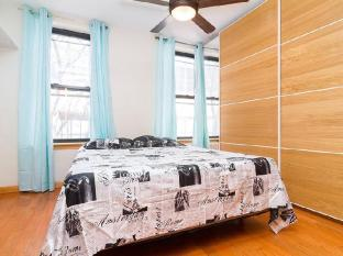 One Bedroom Apartment in Hells Kitchen