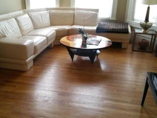 Luxury Living Suites - 2029 Brush Street - 3 Bedroom 2 Bath Townhouse