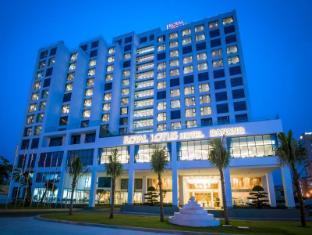 /lt-lt/royal-lotus-hotel-danang-by-h-k-hospitality/hotel/da-nang-vn.html?asq=m%2fbyhfkMbKpCH%2fFCE136qSopdc6RL%2ba1sb1rSv4j%2bvNQRQzkapKc9zUg3j70I6Ua