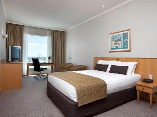 Rydges Hotel Perth - Club Queen Room