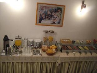 Apartment Helios Budapest - Breakfast