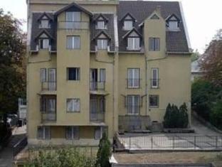 Bara Junior Boedapest - Hotel exterieur
