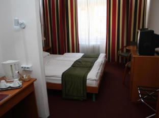 Hunguest Hotel Griff Budapest - Guest Room