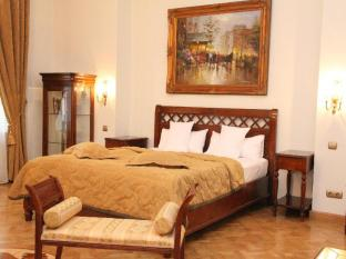 St. George Residence All Suite Hotel DeLuxe Budapest - Gold Suite