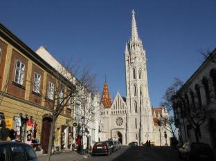 St. George Residence All Suite Hotel DeLuxe Budapest - The Matthias Church