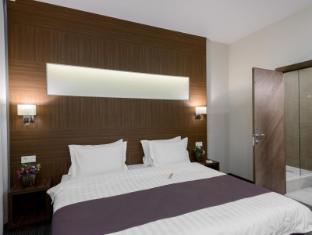 /sl-si/park-wood-hotel/hotel/novosibirsk-ru.html?asq=vrkGgIUsL%2bbahMd1T3QaFc8vtOD6pz9C2Mlrix6aGww%3d