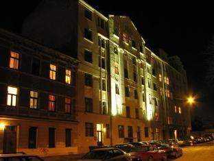 /guesthouse-jakob-lenz/hotel/riga-lv.html?asq=jGXBHFvRg5Z51Emf%2fbXG4w%3d%3d